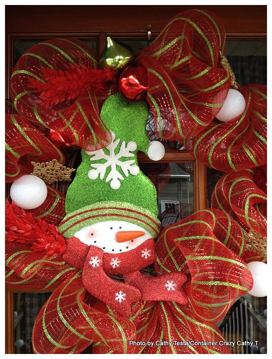 Three Easy Ways To Use Mesh Ribbon For Holiday Decorating
