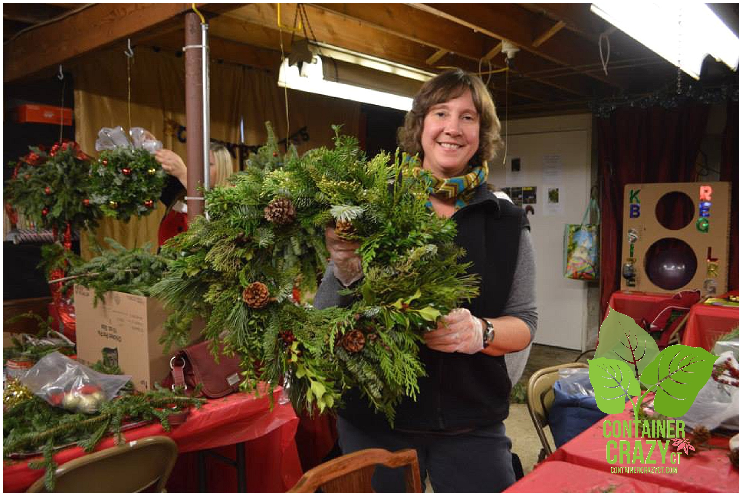 First Time Attendee Makes a Gorgeous round and square wreath!